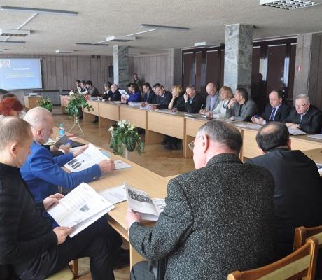 Директивный рост зарплат плохо стыкуется с необходимостью снизить себестоимость белорусской продукции. Об этом говорили участники 80-го РКД